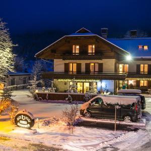 Foto Hotel: Ferienhof Alte Post, Weissbriach