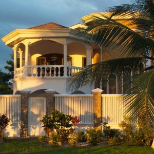 Foto Hotel: North Beach Luxuary Home, Jacó