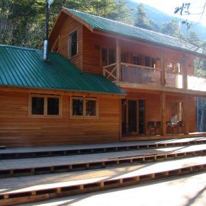 Фотографии отеля: Patagonian Vegetarian Lodge, Llanada Grande