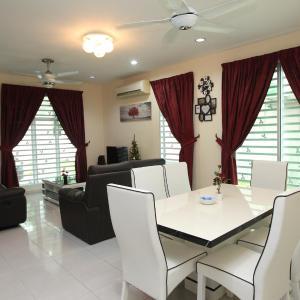 Foto Hotel: D'Resort Home Stay, Sitiawan