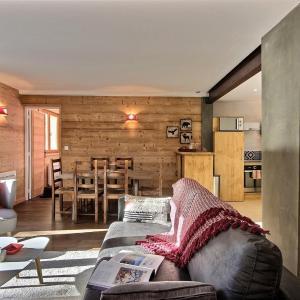 Hotel Pictures: Appartement dans un Chalet à Serre Chevalier, Le Monêtier-les-Bains