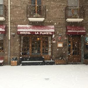Hotel Pictures: Hostal La Placeta, Camprodon