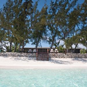 Fotos de l'hotel: Hollywood Beach Suites Turks and Caicos, Whitby