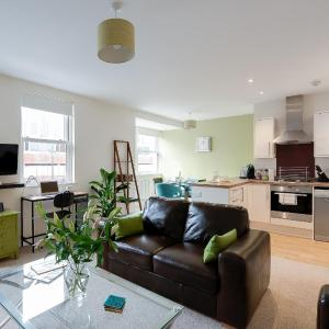 Hotel Pictures: UK South Coast Apartments, Chichester