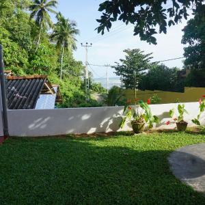 Hotel Pictures: W7 Home Stay, Weligama