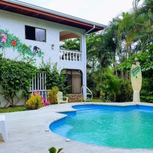 Hotel Pictures: Pacific Jungle Condominium, Playa Hermosa