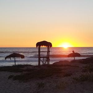 Фотографии отеля: Casa en la Serena Golf a 50 mts de la playa, Ла-Серена