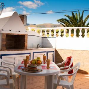 Hotel Pictures: casa balcon, Punta de Mujeres