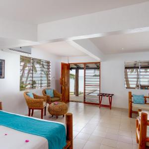 Hotel Pictures: Tropica Island Resort, Malolo