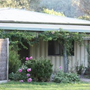 Hotellikuvia: Aspens Springs Farmstay, Porepunkah