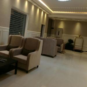 Fotos de l'hotel: Manazel Al Enwan Furnished Units, Al Bukayriyah