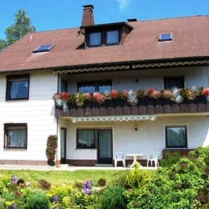 Hotelbilleder: Ferienwohnung Haus der vielen Kräuter, Fichtelberg