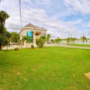 Foto Hotel: Riverside Villa, Svay Riĕng