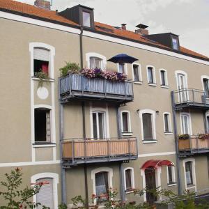 Hotel Pictures: Ferienwohnungen Wozengi, Schweinfurt