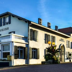 Hotel Pictures: Hôtel Beausejour, Barbotan-les-Thermes