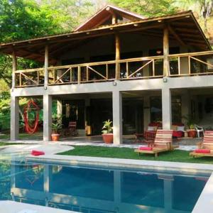 Hotel Pictures: Tropical Home in Paradise!!, Mal País