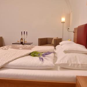 Hotel Pictures: Hotel Altes Kloster, Hainburg an der Donau