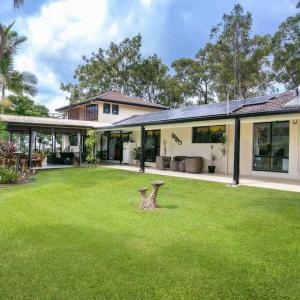 Hotel Pictures: Hilltop Holiday Home, Gold Coast