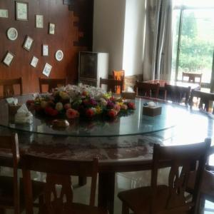 Hotel Pictures: Huanglong Xiankelai Guesthourse, Shazhou