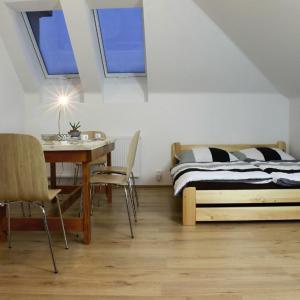 Hotel Pictures: Apartmány za sakurou, Hodonín