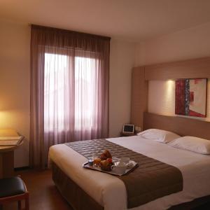 Hotel Pictures: Cévenol Hôtel, Millau