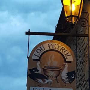 Hotel Pictures: Auberge Lou Peyrol, Montferrand-du-Périgord
