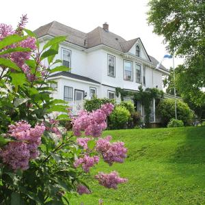 Hotel Pictures: The Nelson House Bed and Breakfast, Stewiacke