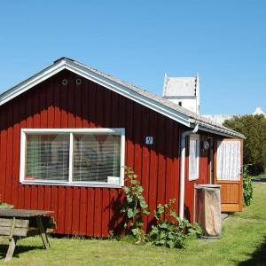 Hotel Pictures: Holiday Home in core area Gasværksvej 098610, Sæby