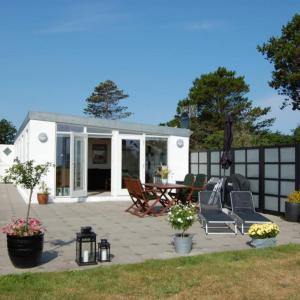 Hotel Pictures: Holiday Home Sæby Strandhusevej 098701, Frederikshavn