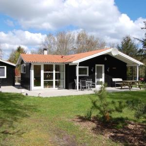 Hotel Pictures: Holiday Home Birkely in Sæby 098724, Frederikshavn
