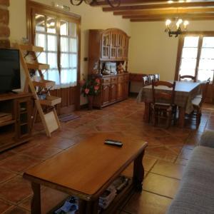 Hotel Pictures: Casa Exkanda Etxea, Sumbilla