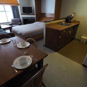 Hotel Pictures: Apex Mountain Inn Suite 323-324 Condo, Apex Mountain