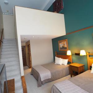 Hotel Pictures: Apex Mountain Inn Suite 401 Condo, Apex Mountain