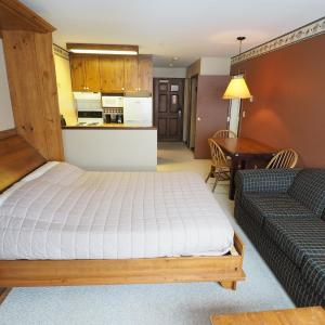 Hotel Pictures: Apex Mountain Inn Suite 211-212 Condo, Apex Mountain