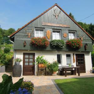 Hotelbilleder: Ferienhaus Haus am Wald, Stolberg (Harz)