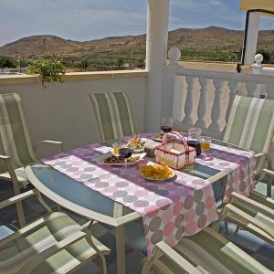 Hotel Pictures: Casas Rurales y de Salud la Joya, Las Alcubillas