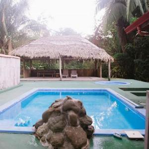 Hotel Pictures: Tennis Club Studio Suit Near Manuel Antonio, Quepos