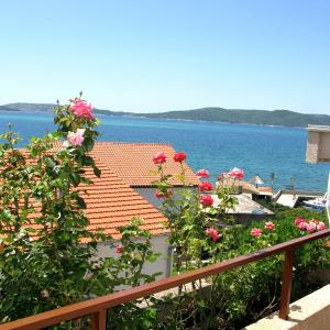 Hotelbilder: Sea View Apartment Maja, Brodarica