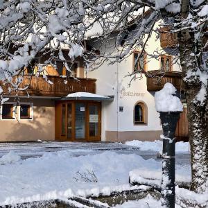 Hotellikuvia: Hotel Gasthof Klause, Reutte