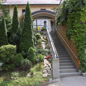 Hotel Pictures: Hotel-Restaurant Bauer-Keller, Greding