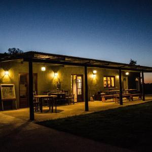 Foto Hotel: Hostel de campo La Providencia, Lobos