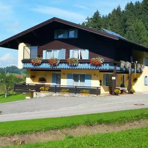 Hotelbilleder: Pension Ramstötter, Neukirchen am Teisenberg