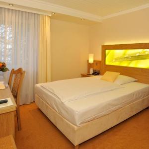 Hotel Pictures: Gronauer Tannenhof, Bergisch Gladbach