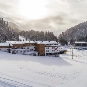 Foto Hotel: Jugendgästehaus Alpincenter, Obertauern