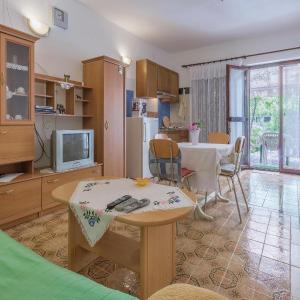 Fotos do Hotel: One-Bedroom Apartment in Fazana, Fažana