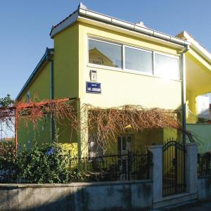 Hotel Pictures: Three-Bedroom Apartment in Kastel Stari, Kaštela