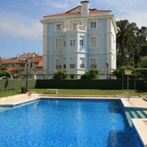 Hotel Pictures: Apartamentos Villa de Noja, Noja