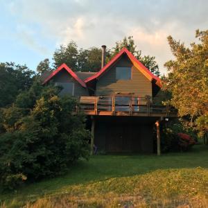 Hotel Pictures: Casa en Lago Calafquen, Trape