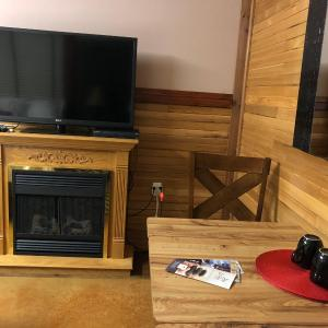 Hotel Pictures: Suite Escapes BC, Scotch Creek