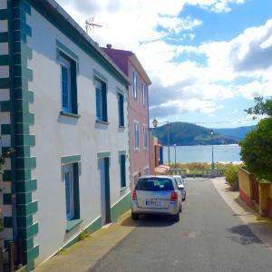 Hotel Pictures: Stroll to the Beach..., Porto de Espasante